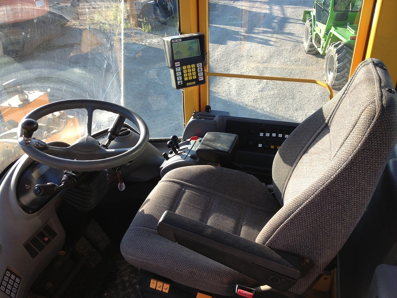 N°3503 - Chargeuse Volvo L180